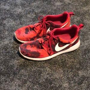 Red/black nike roshe run shoes